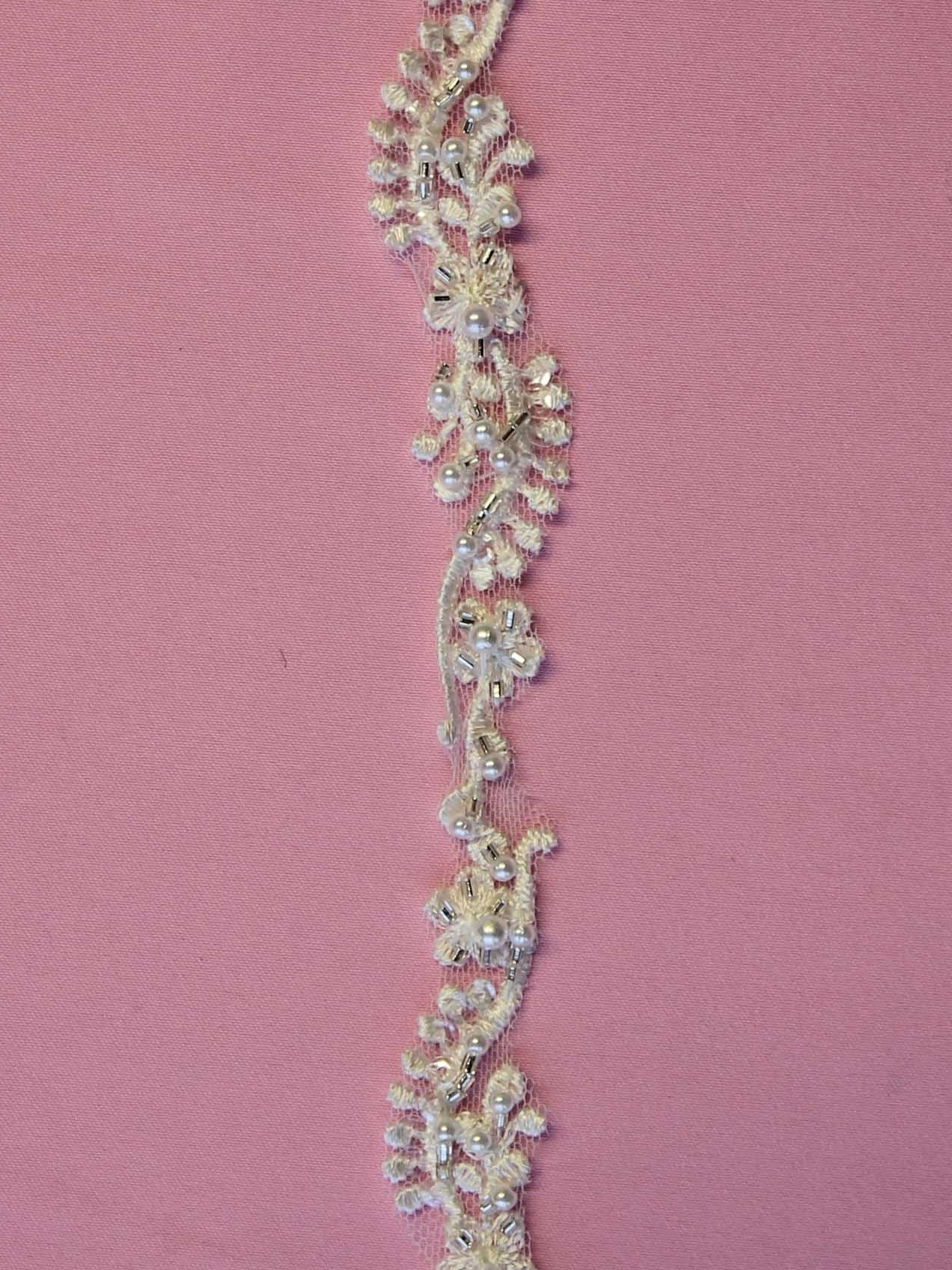 Ivory Beaded Lace Trim – Gamma