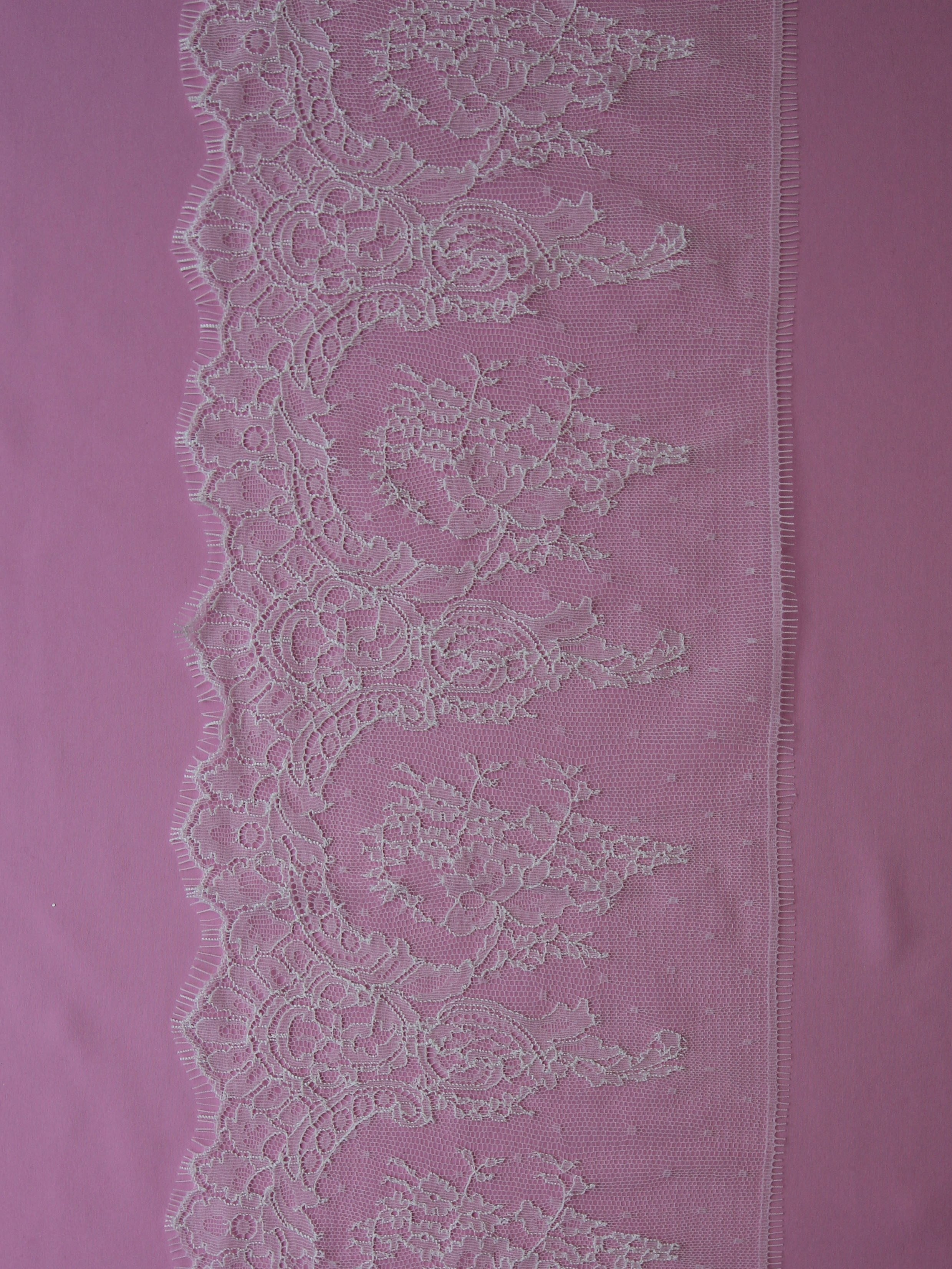 Ivory Chantilly Lace Trim - Sienna