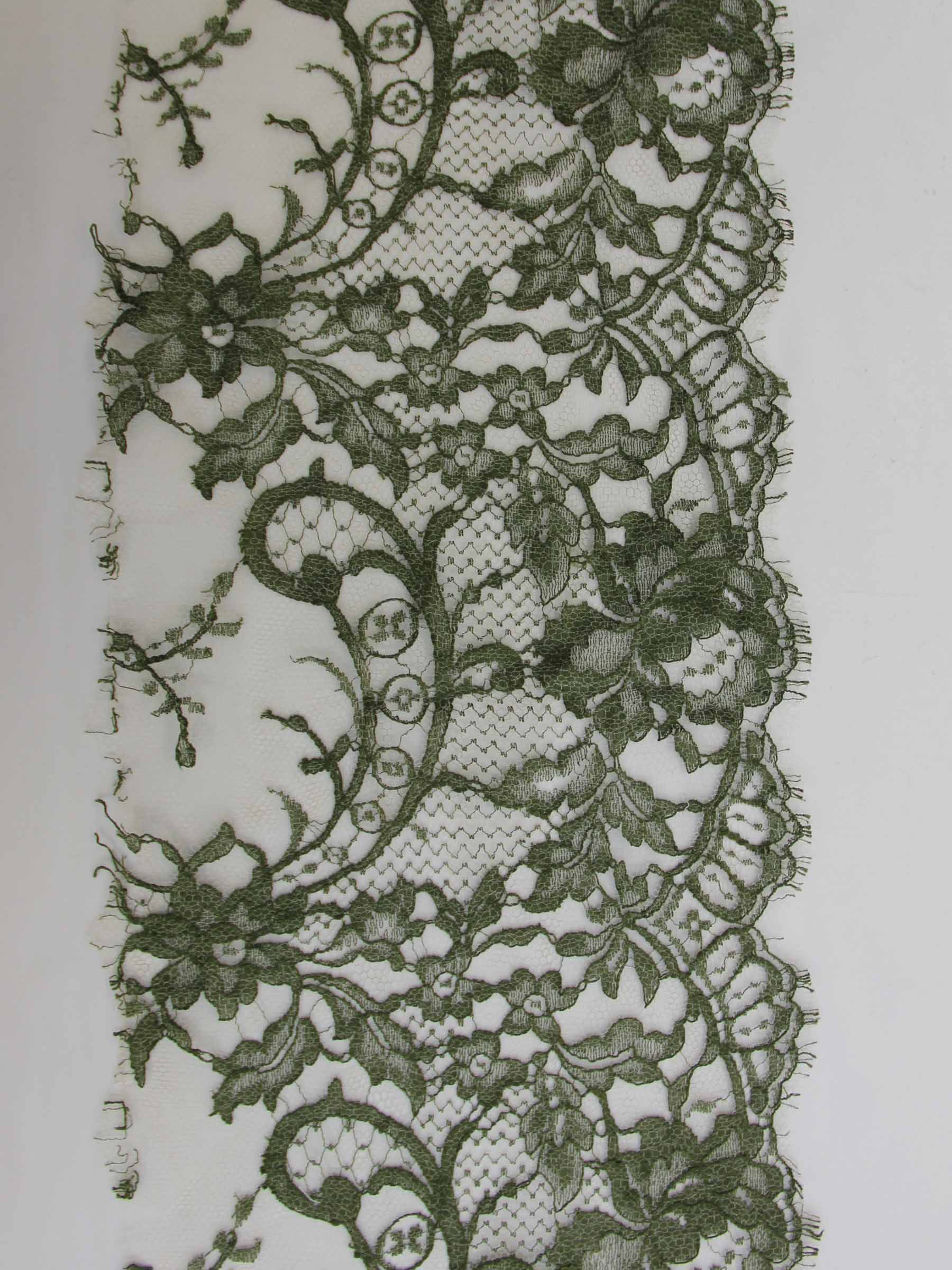 Bordure en dentelle verte olive - Kate.