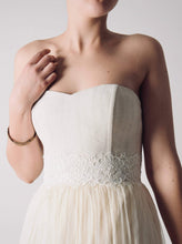 Load image into Gallery viewer, Ivory Corded Lace Trim - Tatiana
