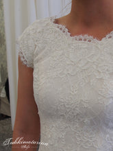 Load image into Gallery viewer, Ivory Corded Lace - Stella