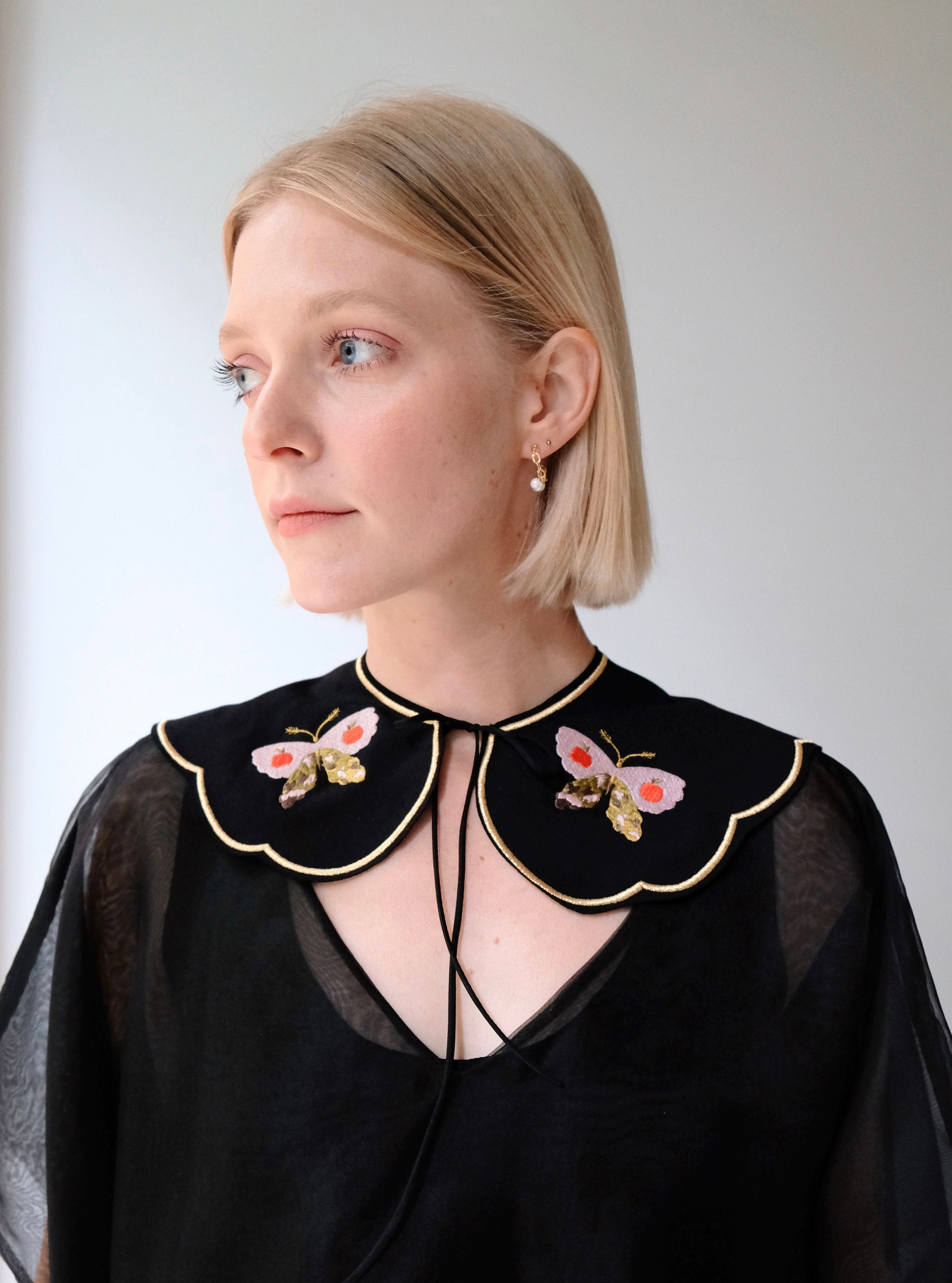Olivia Black Collar — Snail on the Back