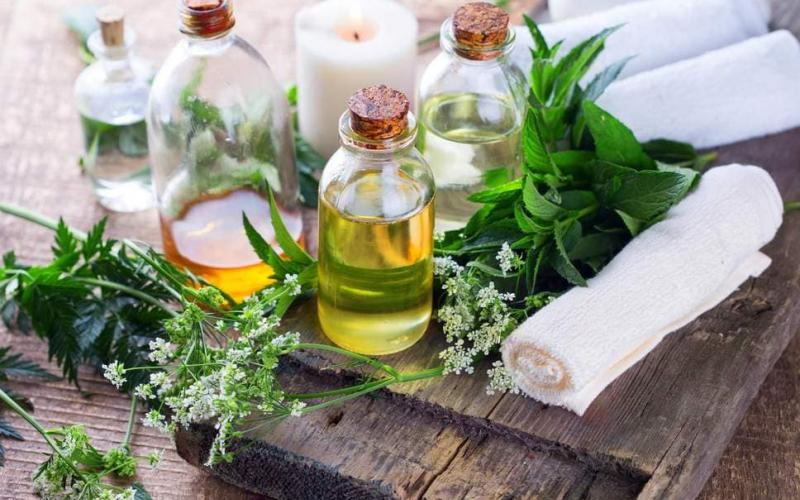 WHAT IS HOLISTIC, HOMEOPATHIC SKINCARE?