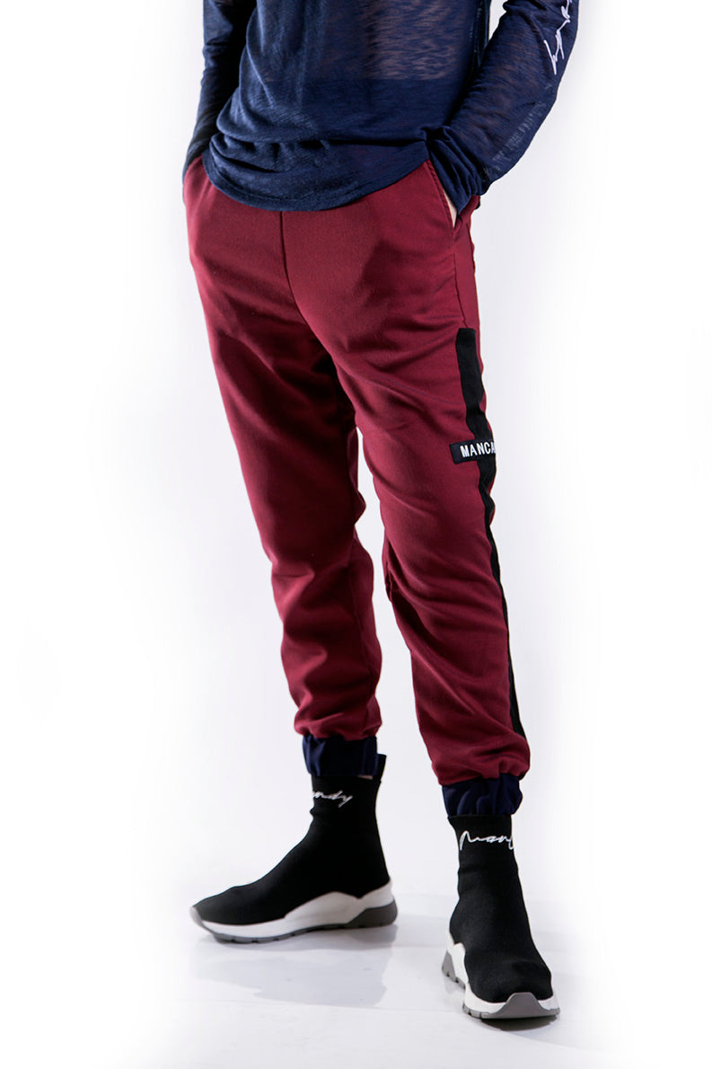 Red wine jogger with stripe