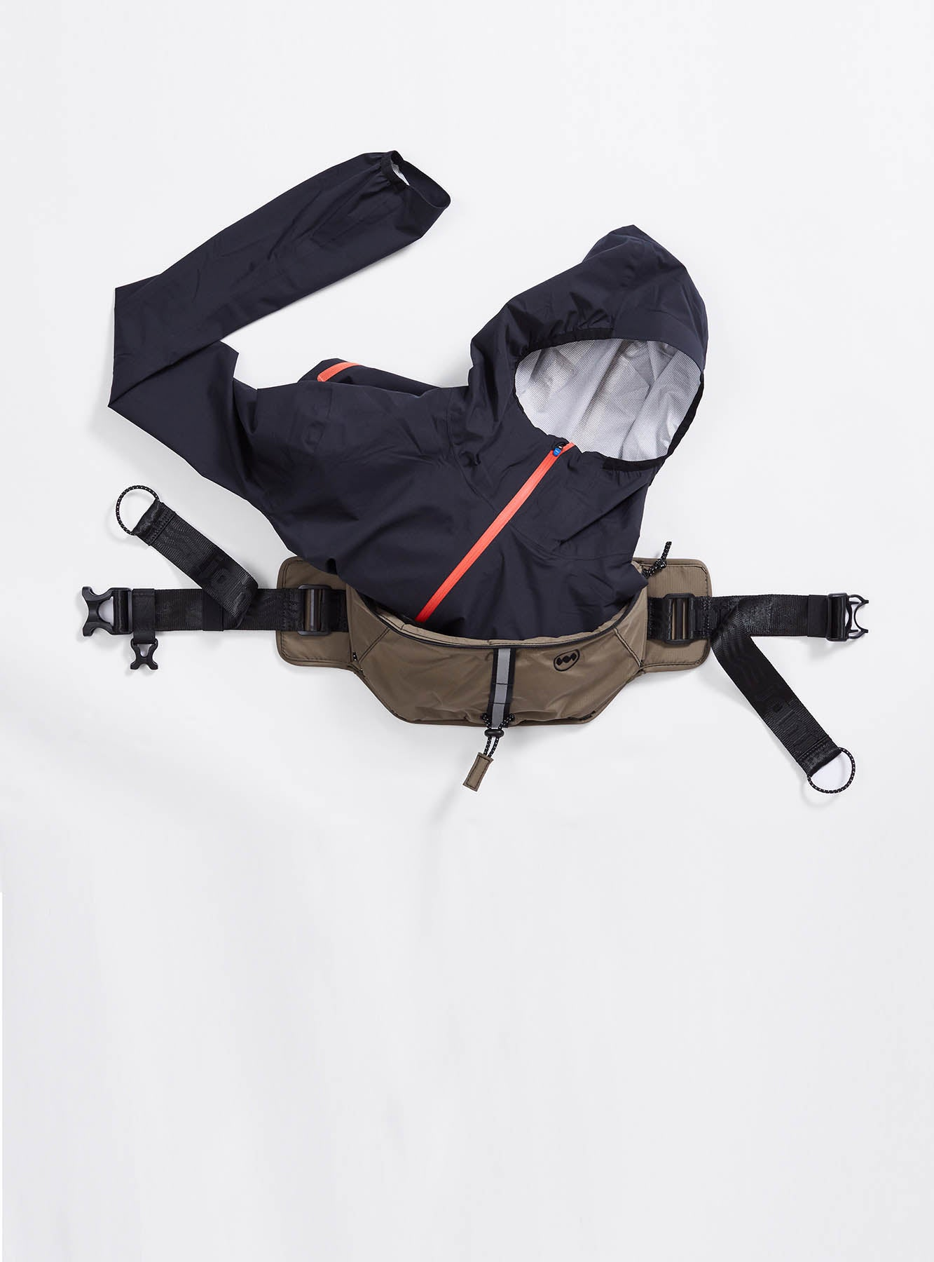Multipass Sling Bag in Stingray
