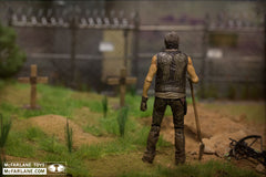 THE WALKING DEAD: TV Series 9: Grave Digger Daryl Dixon Action Figure