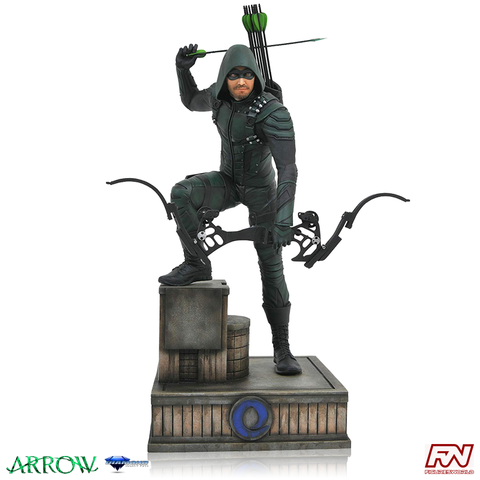 DC TV GALLERY: Arrow PVC Statue