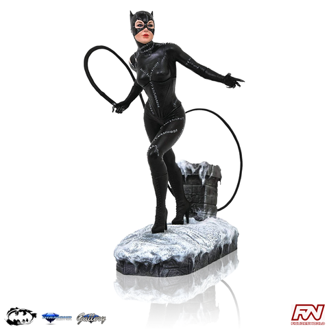 DC MOVIE GALLERY: BATMAN RETURNS Catwoman PVC Diorama
