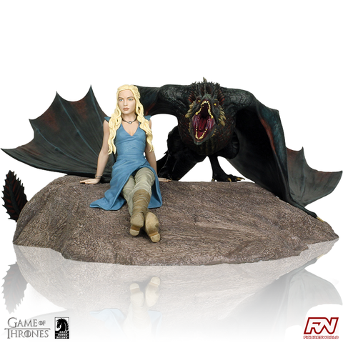 GAME OF THRONES: Daenerys and Drogon Limited Edition Statue