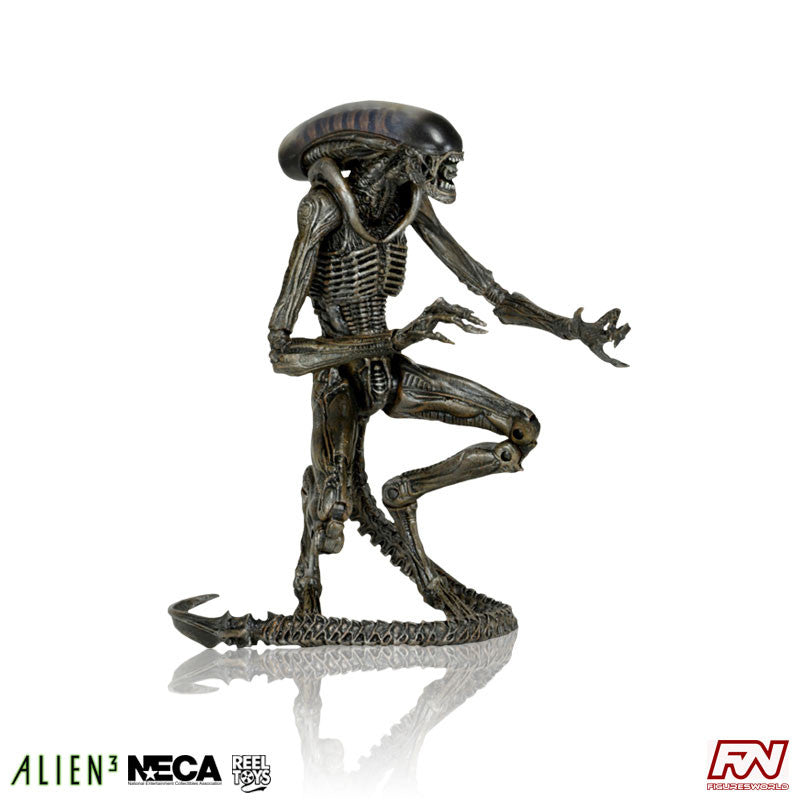 ALIENS SERIES 8: Alien 3 - Dog Alien (Gray Variant) Action Figure