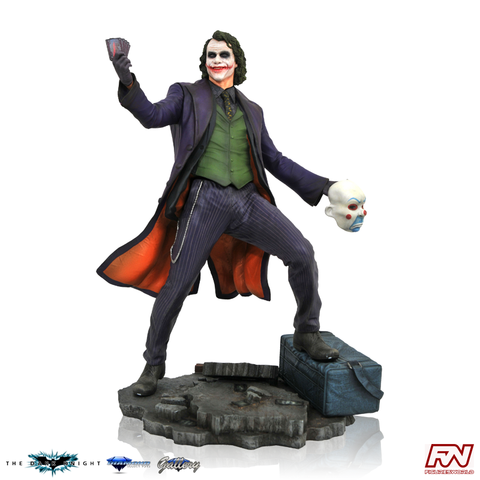 DC MOVIE GALLERY: DARK KNIGHT Joker PVC Diorama