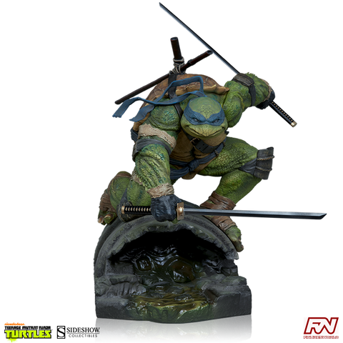 TEENAGE MUTANT NINJA TURTLES: Leonardo Statue