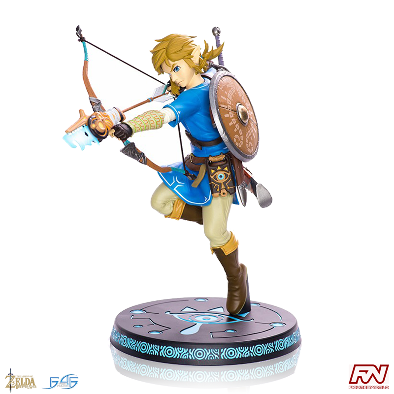 THE LEGEND OF ZELDA: Breath of the Wild: Link with Bow PVC Statue