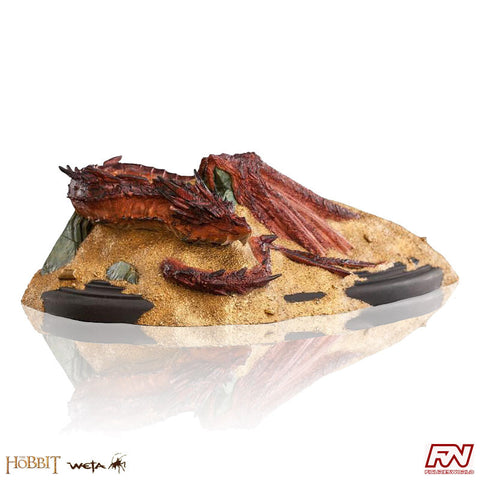 THE HOBBIT: Smaug - King Under The Mountain Statue