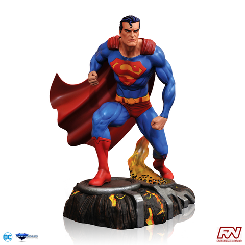 DC COMICS GALLERY: Superman PVC Diorama