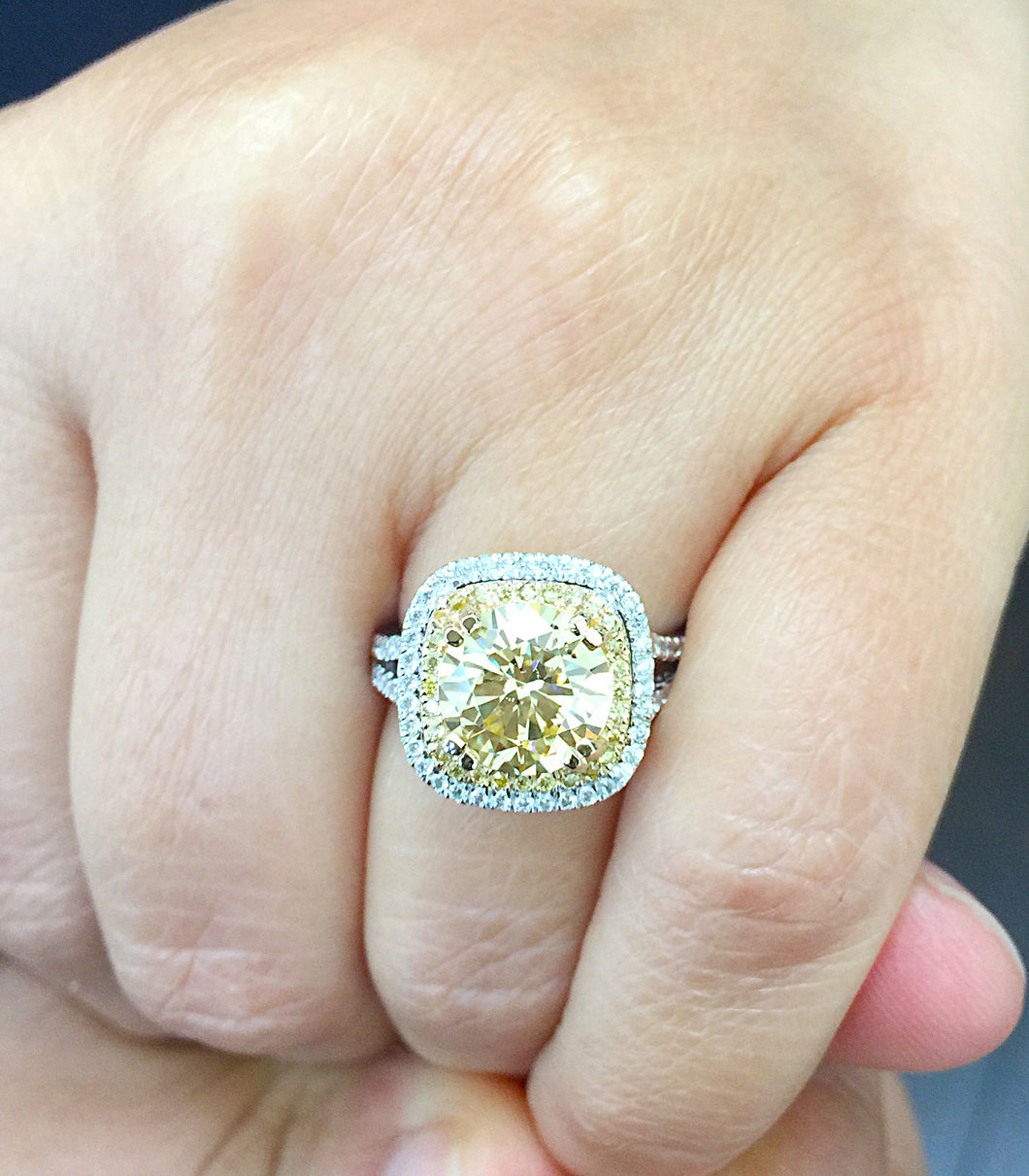 Huge Women's 14k solid white and yellow gold round cut yellow citrine and natural diamond engagement ring Bridal Wedding Halo 4.00ctw
