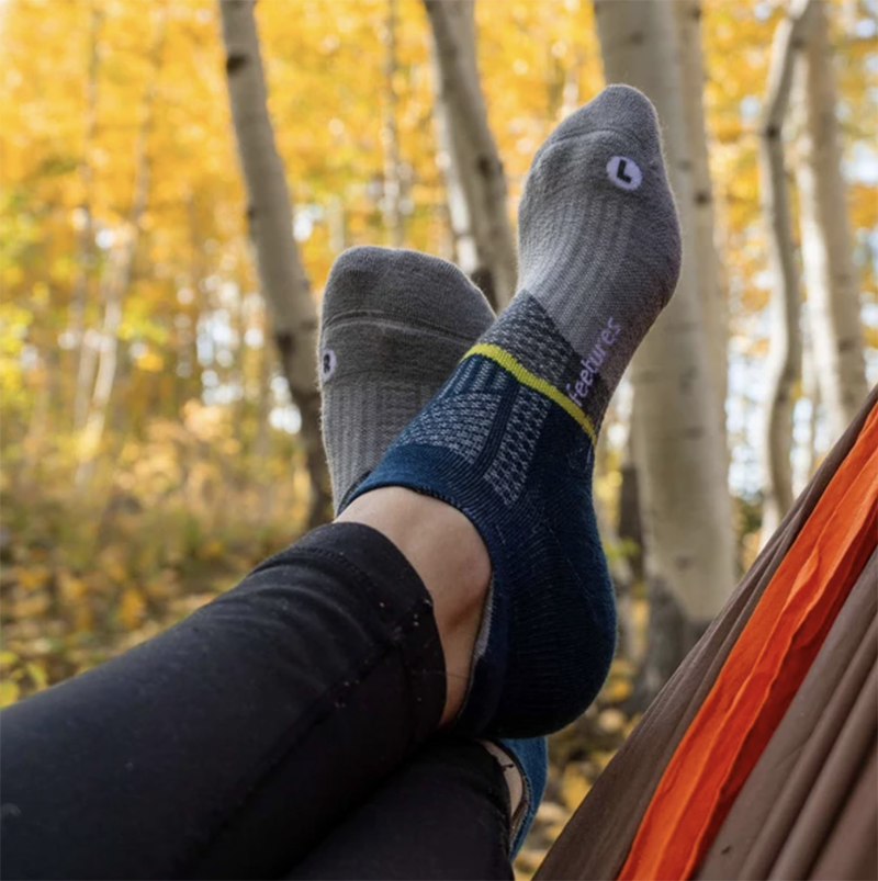 Feetures Best Hiking Backpacking Socks Review