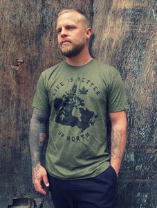 NORTHBOUND SUPPLY CO MENS LIFE IS BETTER UP NORTH MILITARY GREEN TSHIRT