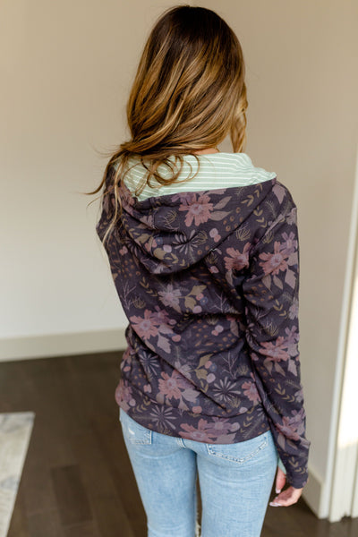 AMPERSAND AVE LADIES TAKE IT EASY PURPLE FLORAL HALFZIP HOODIE