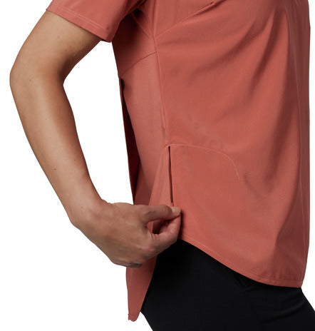COLUMBIA LADIES PLACE TO PLACE SUN DARK CORAL TSHIRT