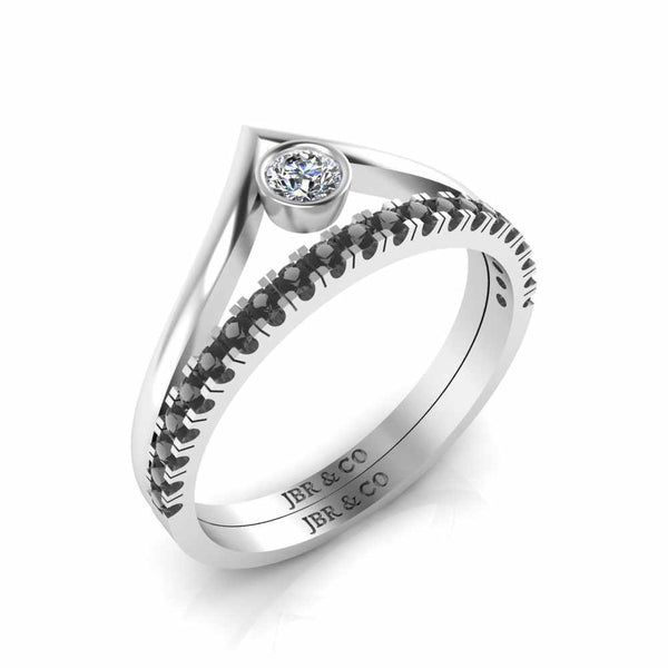 Round Cut Bezel Set V Shape Sterling Silver Ring