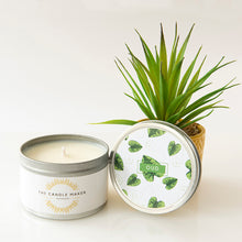 Load image into Gallery viewer, lovely oud soy candle