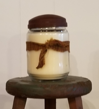 Load image into Gallery viewer, Soy Wax Candle - Apple Cinnamon Streusel