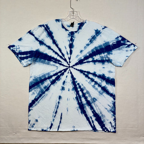 Hand Dyed One of a kind Shibori Indigo t-shirt by the Stitch Witch - L