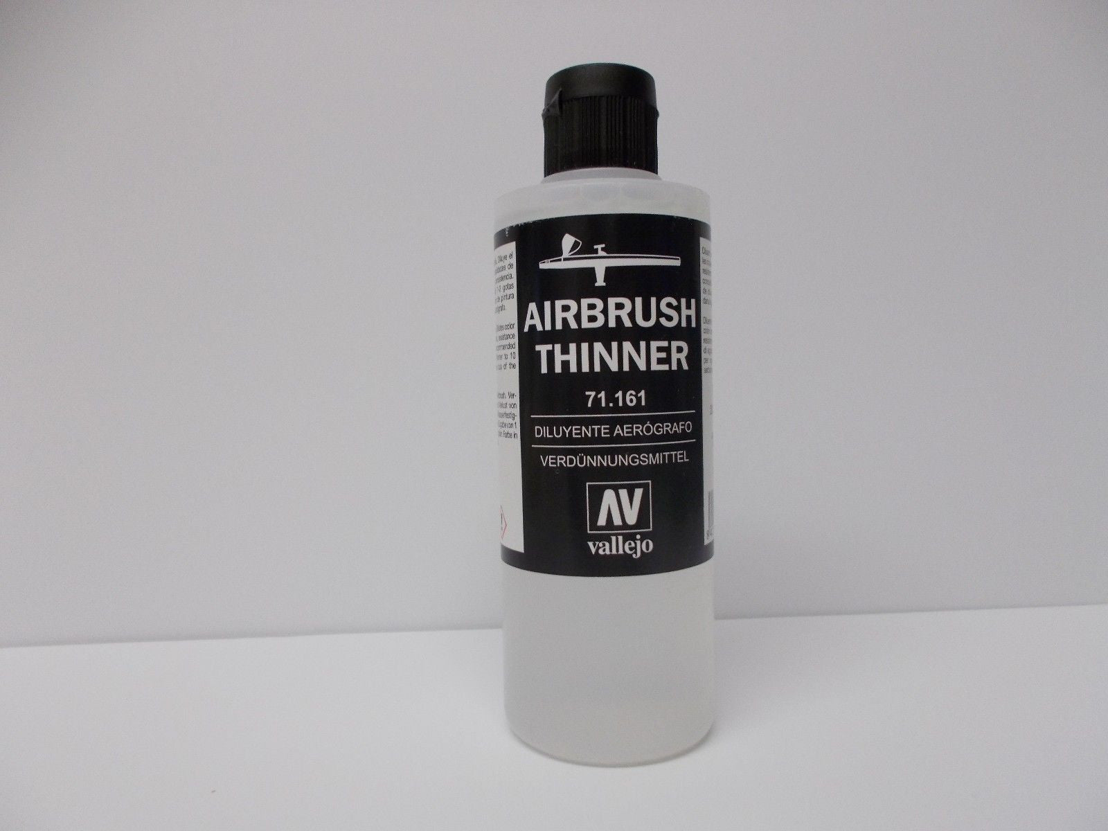 Vallejo Acrylic AirbrushThinner - 200ml   Modelling, Paint, Hobbies craft