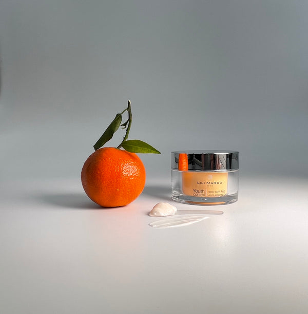 It is important to adopt a beauty routine to make up for festive evenings and to regain healthy, well-maintained skin.