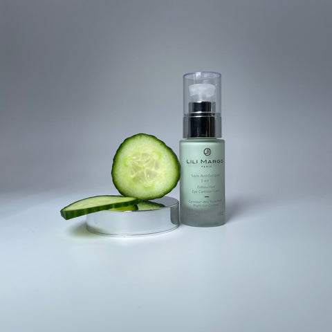 Unlike the common belief, the cucumber is indeed a fruit and not a vegetable. Very rich in vitamins B, C and E but also in provitamin A, the cucumber is a concentrate of freshness which gives life to the driest skins and brings a radiant aspect to dull complexions. Its active ingredient offers moisturizing, soothing and astringent properties as well as an anti-ageing action.