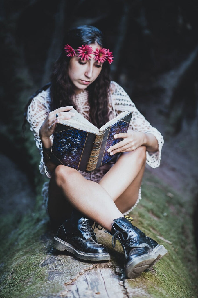 5 Best Books To Connect With Your Feminine Energy