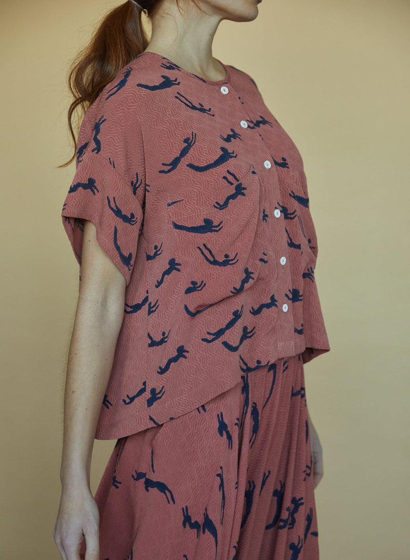 Megan Shirt, terracotta swimmers print