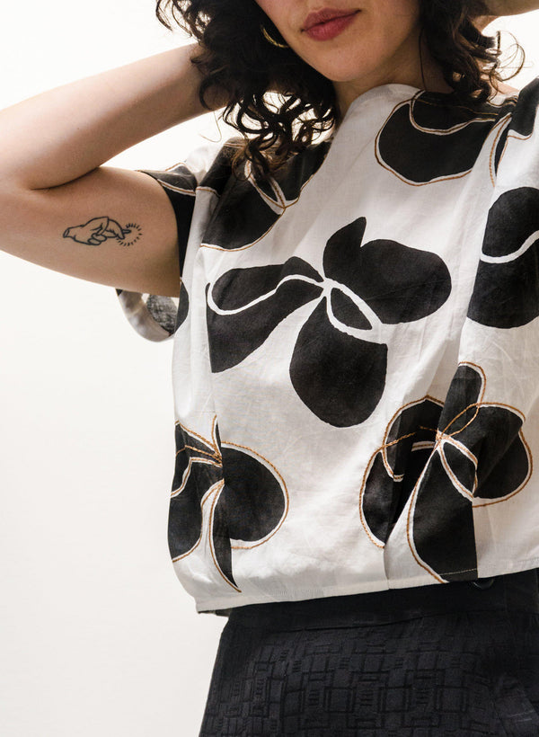 Maggie Top, black + white Hilma print