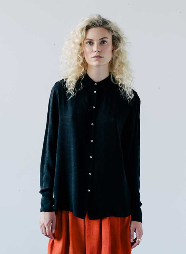 Noemi Shirt, coal black silk jacquard