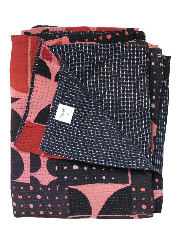 Gudri Quilt, pink/black/red shades