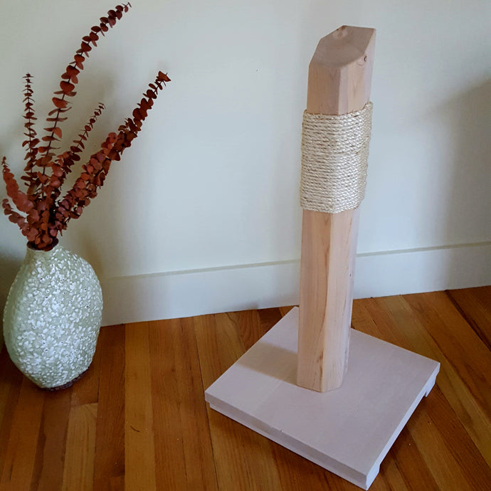 Cedar and Sisal Scratching Post