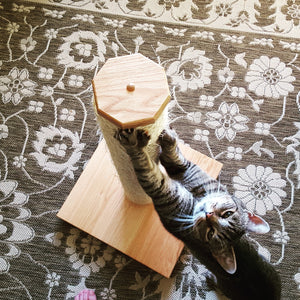 Oak and Sisal Vertical Scratching Post