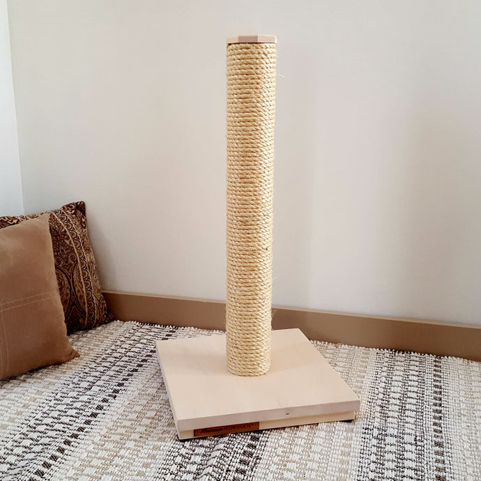 Natural Cat Scratching Post with Sisal Rope