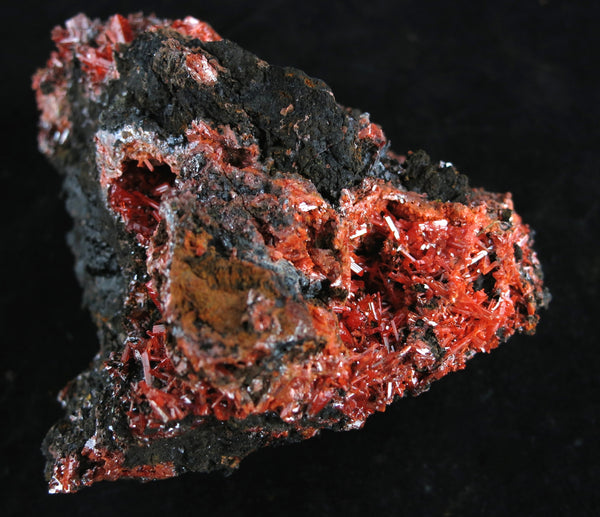 CROCOITE on matrix From Red Lead Mine, Dundas, Tasmania, Australia - Astro Gallery