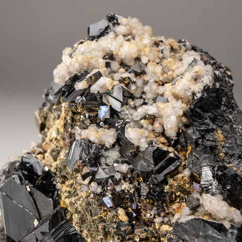 Chalcopyrite, Sphalerite, Pyrite and Calcite from Huaron, Peru