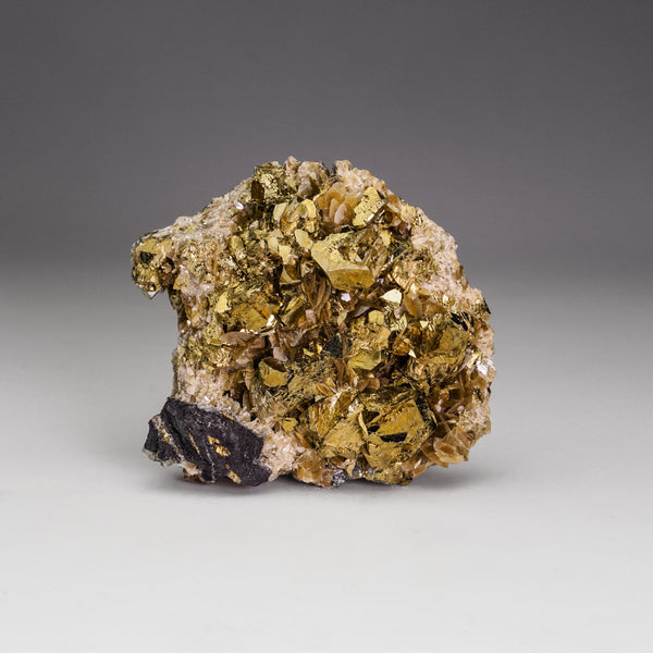 Chalcopyrite with Siderite From Huanggang Fe-Sn deposit, China