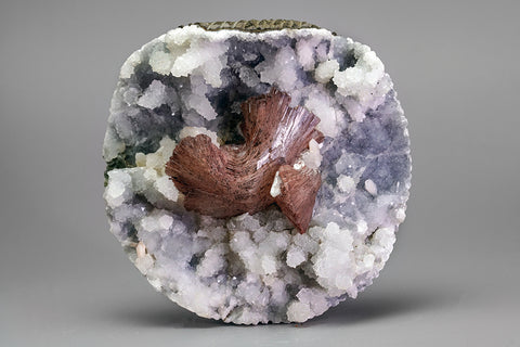 Heulandite on Chalcedony matrix Sawda, Maharashtra, India