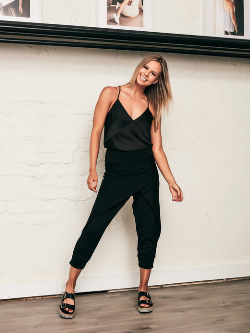 Charli Lightweight Crossover Pants - Black