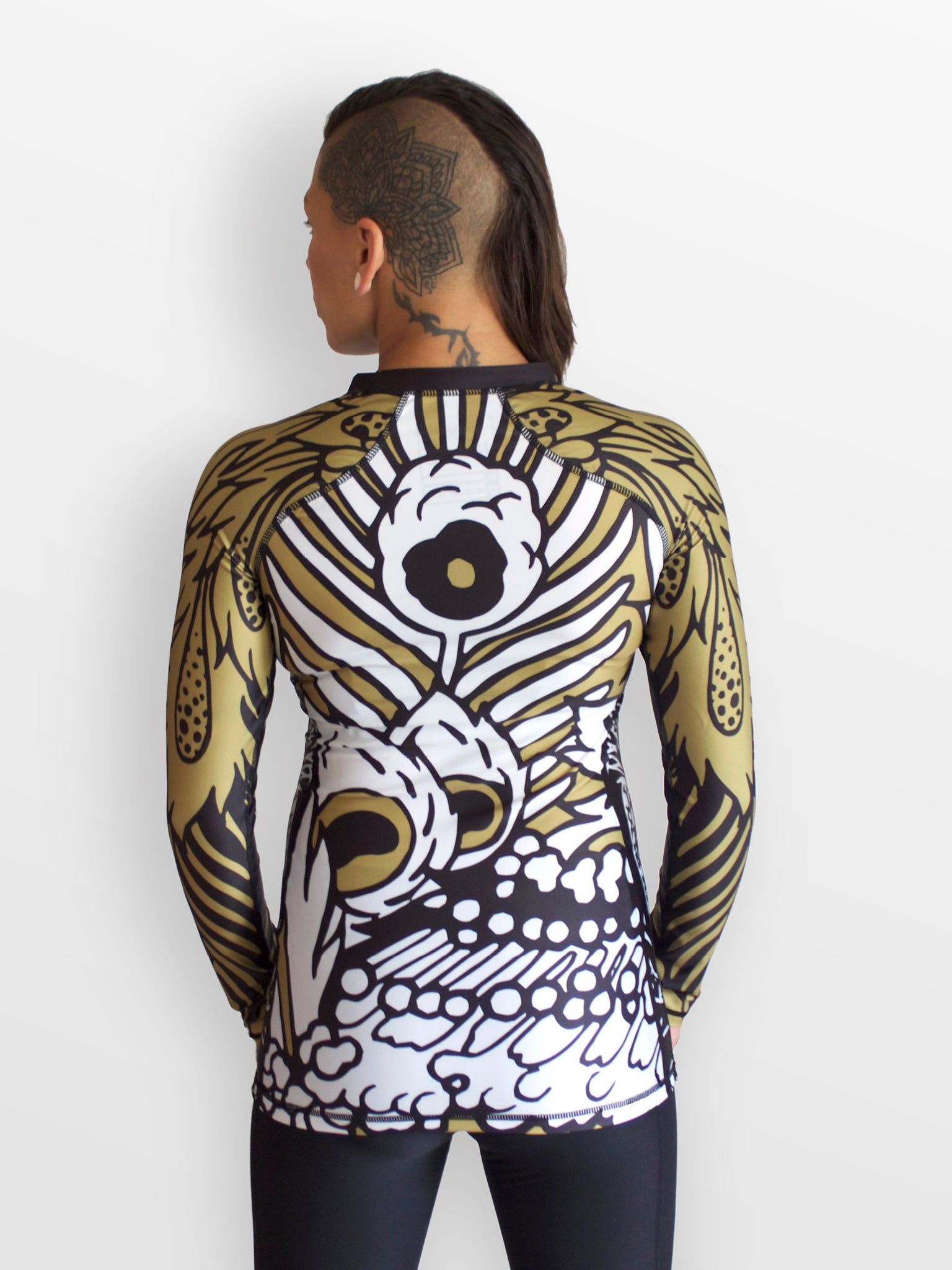 Pavão long sleeve rashguard - white | black | gold