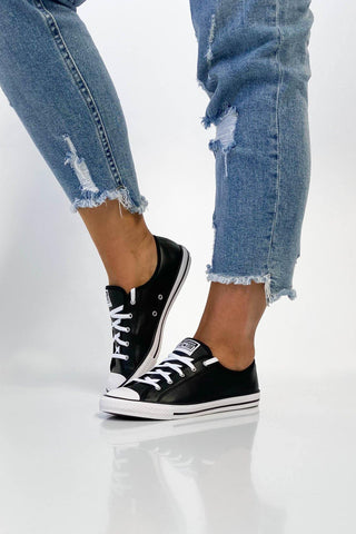 Converse Chuck Taylor Dainty Leather Low Black
