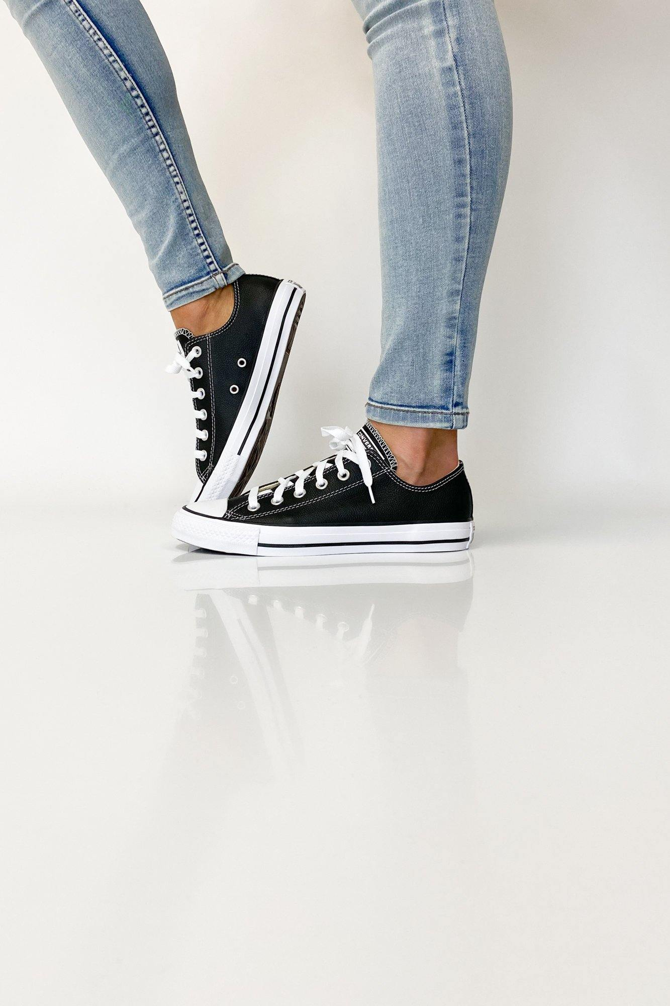 Converse Chuck Taylor All Star Leather Low Black Shine On