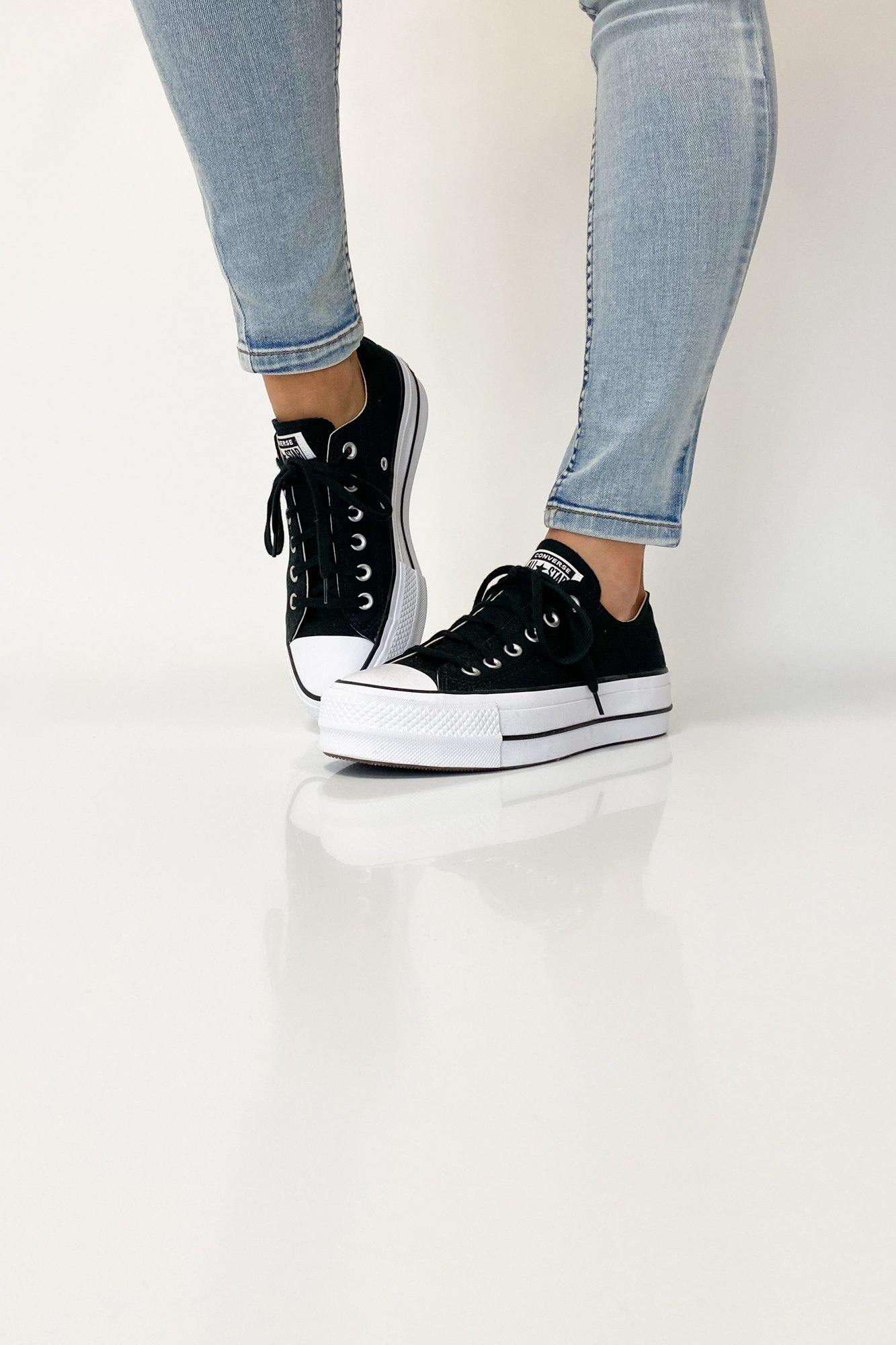Converse Chuck Taylor All Star Lift Low Black