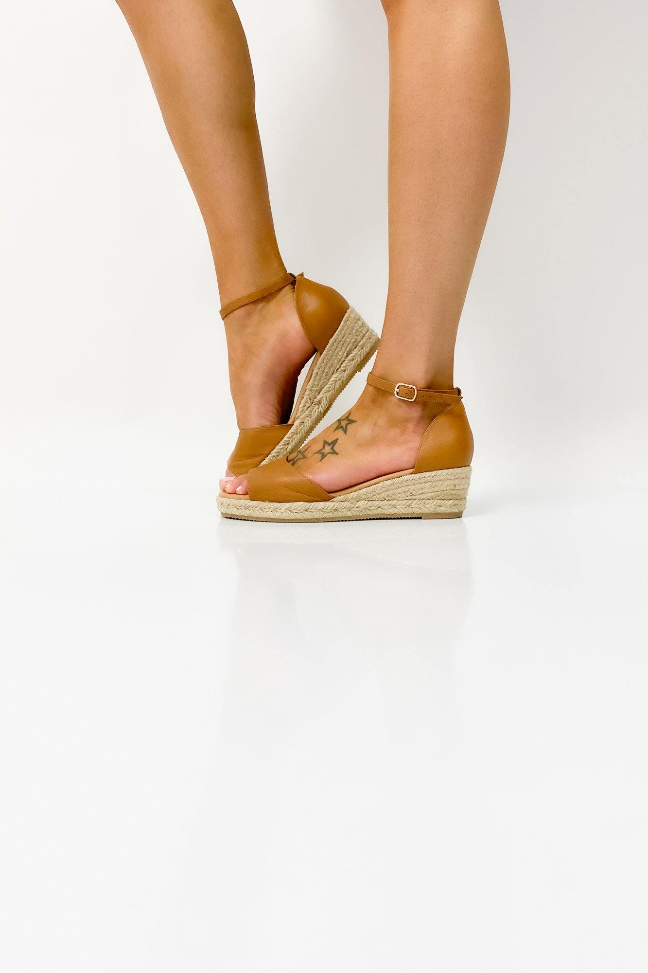 Django & Juliette Skip Dark Tan Natural Rope Leather