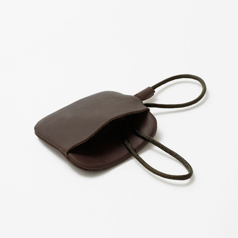 LAA186 WALNUT key pouch #1